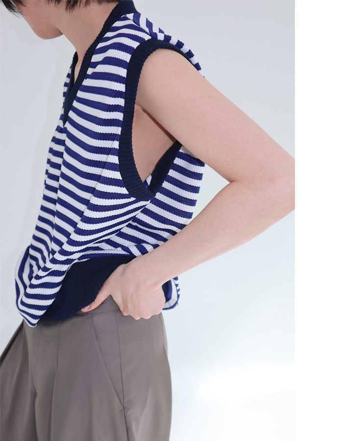 Unisex Stripe Knit Vest (2 Color)